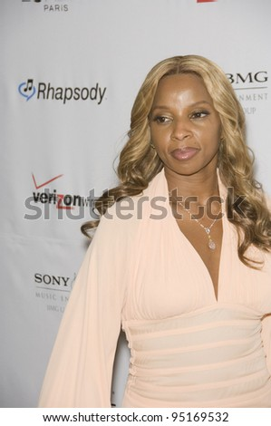MARY J. BLIGE at the Clive Davis pre-Grammy Party at the Beverly Hilton Hotel. February 11, 2007  Beverly Hills, CA Picture: Paul Smith / Featureflash