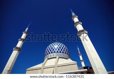 - stock-photo-masjid-sultan-salahuddin-abdul-aziz-shah-the-blue-mosque-116387431