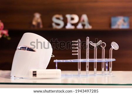 mask and instruments for performing aesthetic procedures in spa ストックフォト ©