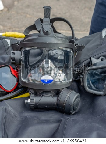 mask for scuba diving on the dark basis #1186950421