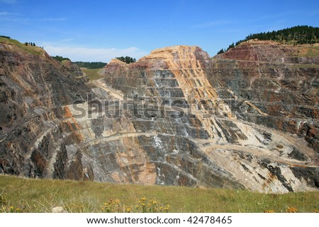 massive open pit gold mine in Lead, South Dakota