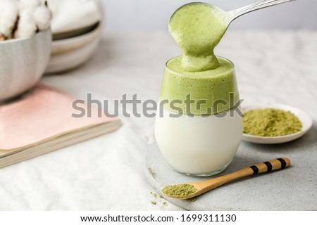 match / green tea dalgona, whipped grean tea with milk