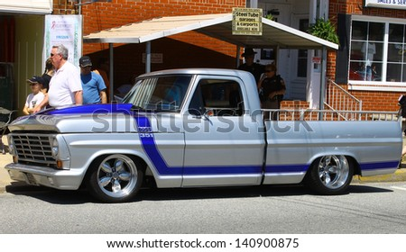 MATHEWS, VA- JUNE 01:A Ford F-150 P/U in the Annual: Vintage TV\'s \