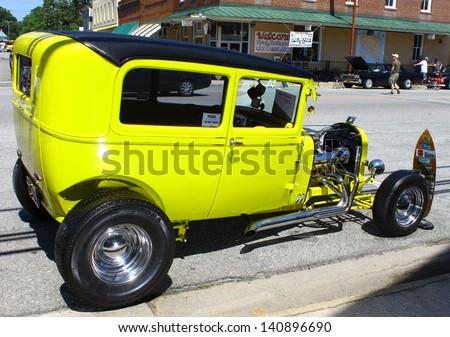 MATHEWS, VA- JUNE 01:1929 Ford Streetrod in the Annual: Vintage TV\'s \