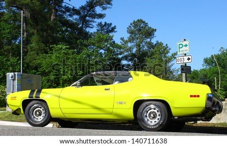 MATHEWS, VA- JUNE 01:71 Plymouth GTX in the Annual: Vintage TV\'s \