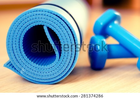 Mats for fitness classes and dumbbells - filter instagram