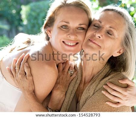 голая мама фото крупным планом