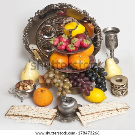 matzot with fruit
