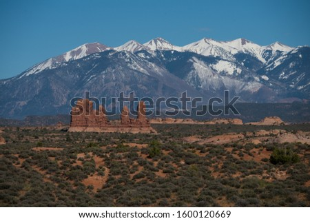 May 2019 - Arches N.P. Utah, A view of the Wasatch Plateau in the Monti-La Sal National Forest. Nature sky landscape Travel day Tranquility mountain Clear sky environment mountain peak Arches National Foto stock ©