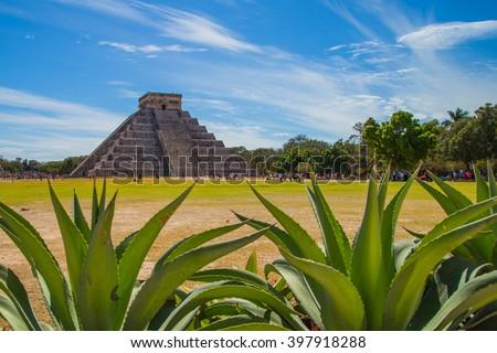 Shutterstock Mayan pyramid of Kukulcan El Castillo in Chichen Itza, Mexico