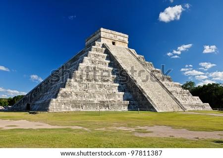 Shutterstock Mayan Ruin - Chichen Itza Mexico