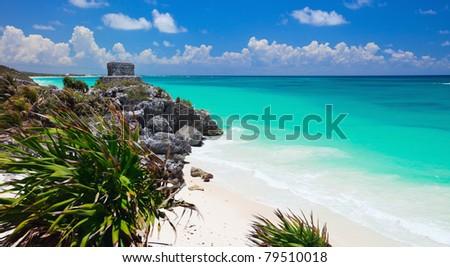 Mayan ruins and beautiful Caribbean coast in Tulum Mexico