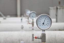 measuring the pressure on the manometer or pressure gauge industrial