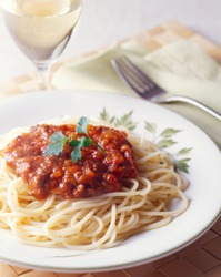 Meat sauce spaghetti and white wine
