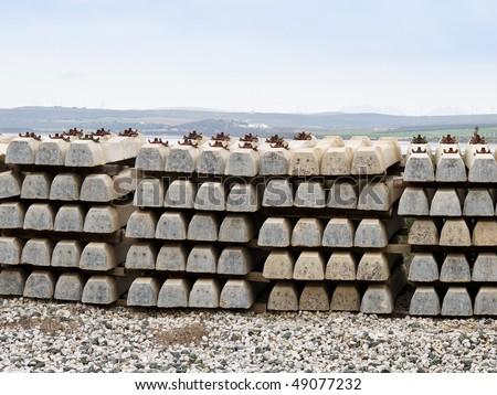 media, to build railroad tracks Foto stock ©