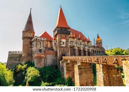 Medieval Corvin Castle (Hunyad Castle) in Hunedoara, Romania ストックフォト ©