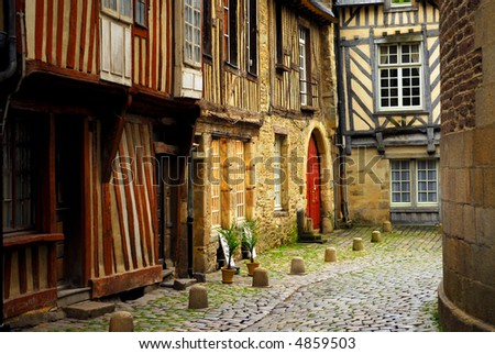 pics of houses in france. houses in Rennes, France.