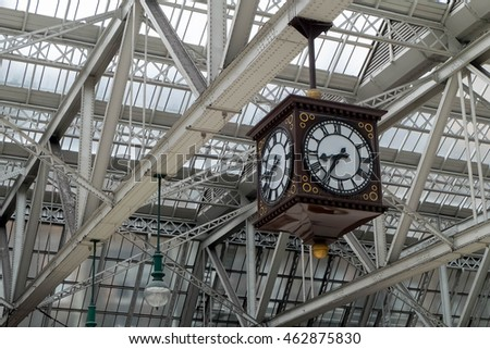 Meeting Point of Glasgow Central Train Station, the famous vintage clock.