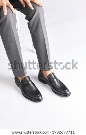 Men Black Loafer dress Shoes shiny Stock fotó ©