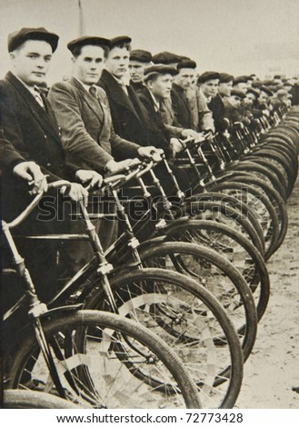 men on bicycles  the beginning...