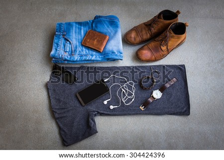 men's casual outfits on gray...