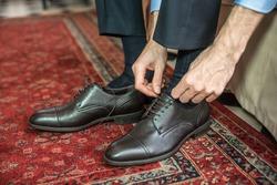 Men wearing work black boot