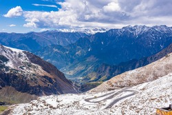 Mesmerizing view en-route to Rohtang pass of Pir Panjal himalayas mountain range on leh Manali highway, Himachal Pradesh, India.