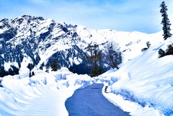 Mesmerizing view en-route to Rohtang pass on leh Manali highway, Himachal Pradesh, India.