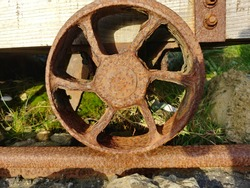 metal wagon weel with rust
