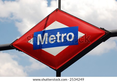 Metro Sign on the sky, Madrid