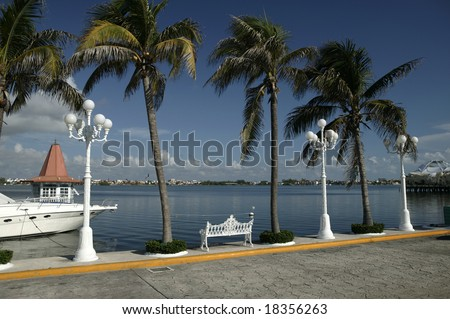 Mexico. Quintana Roo. Cancun. Hotel's zone (Zona Hotelera)