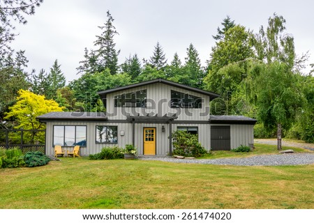 Mid Century Modern Cottage House In The Woods Exterior Design