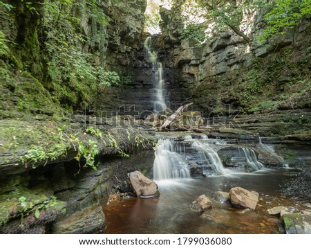 Mill Gill Force is one of the Yorkshire Dales National Park's secret gems. This picturesque waterfall is easy to reach yet remains relatively unknown by most visitors Stockfoto ©