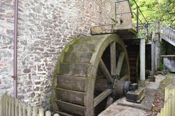 Milling has been at Dunster estate since medieval times. On open days volunteer millers harness the power of river Avill to turn waterwheels gears and millstones and produce wholemeal and spelt flour.