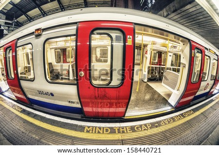 Mind the Gap in London Underground.