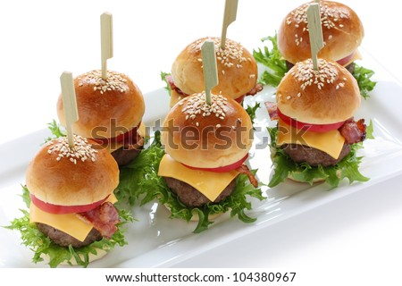 mini hamburgers, sliders