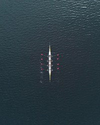 Minimalistic rowing image