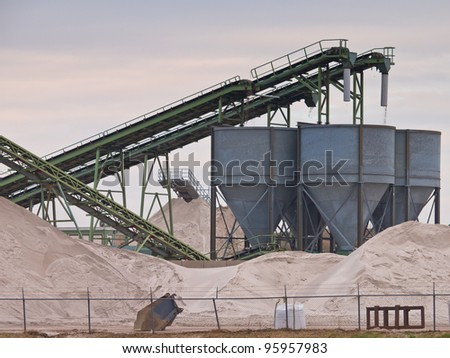 Mining belts are sorting sand
