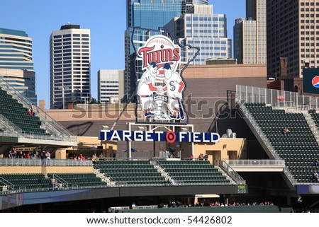 MINNEAPOLIS - APRIL 21: Target Field, the new outdoor stadium of the Minnesota Twins, with skyscrapers towering in the background on April 21, 2010 in Minneapolis, Minnesota.