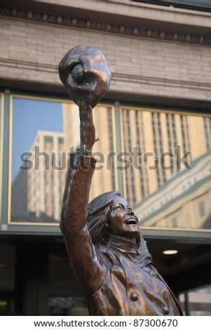 MINNEAPOLIS, MINNESOTA - APRIL 22: Statue of television character Mary Richards outside Macy's Store on April 22, 2010 in Minneapolis, Minnesota. Built for a cost of $150,000, it was erected in 2002.