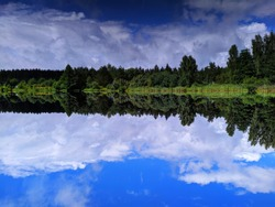 Mirror effect on the lake