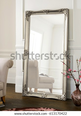 mirror in a new apartment #613170422