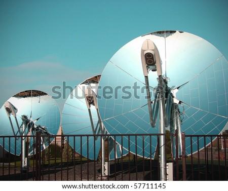 mirrored parabolic dish solar energy equipment