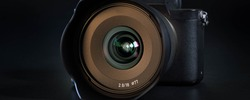 Mirrorless Fast-focusing and 4K-shooting Digital Camera with 18mm wide-angle Lens