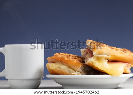 Misto quente with coffee, traditional Brazilian snack Foto stock ©