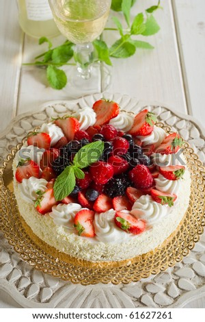 mix berries cake