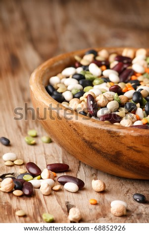 mix of black and red string bean, lentil, green and yellow peas