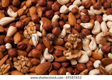 Mixed nuts (almonds, filberts, walnuts, cashews)