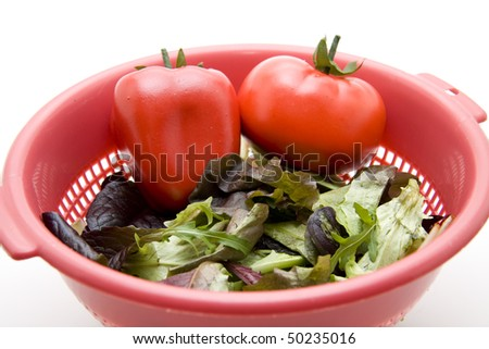 Mixed salad with tomato and paprikas