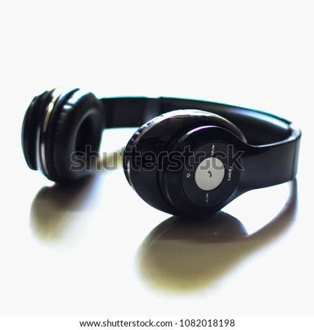 mobile music and earphones